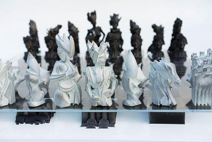 Chess Set 02 by Gil Bruvel