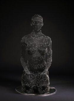 265_Life-size kneeling Woman